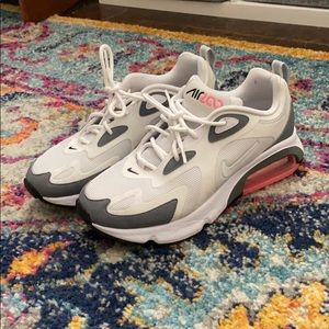 Barely worn gray and pink Nike sneakers
